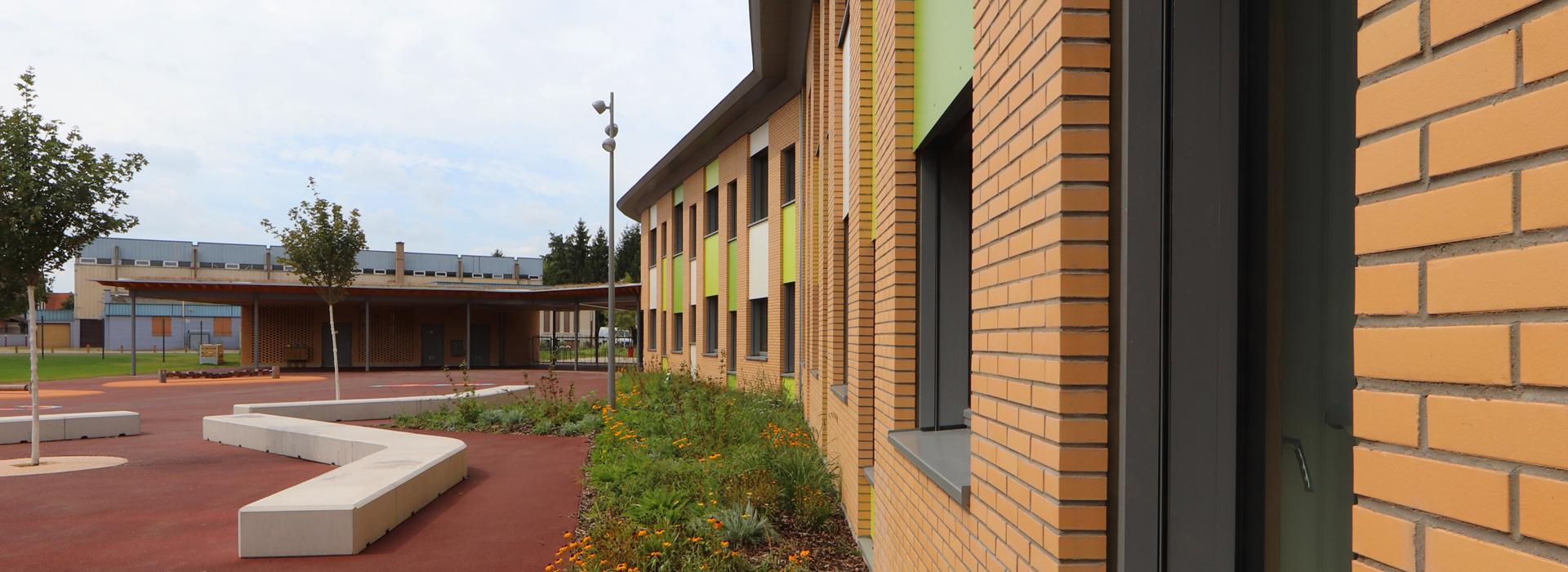 façade briques École élémentaire Plobsheim